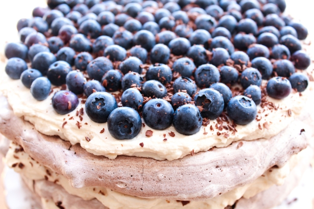 One Perfect Mess Blueberry and almond chocolate meringue torte with coffee cream 5